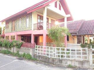 Village Beach House Phan 5, 0.7 km to Bangtao Beach