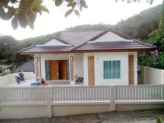 10092 : SU 2 bedrooms mountain view 2.5 Km to beach