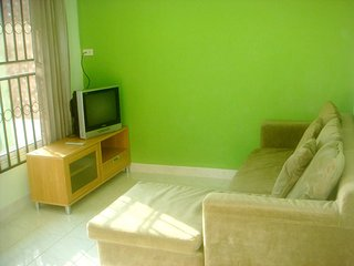 1652 : TV 2, 1 bedroom 0.7 KM to Bangtao Beach.