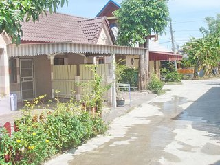 1358 : PM 2, 1 bedroom 1.5 KM to Bangtao Beach.
