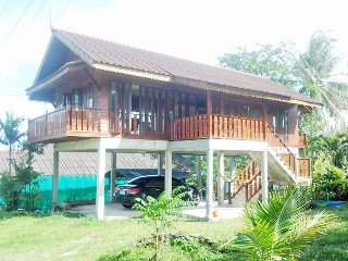 9587 : NN 2 bedrooms fan, 1.5 KM to Bangtao Beach