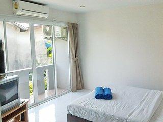 7066 : MY Apartment 1.5 KM to Bangtao Beach.