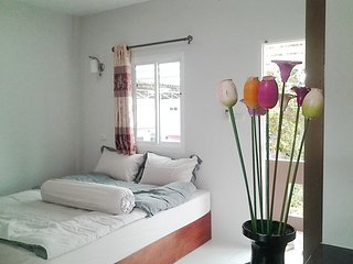 9694 : NUAN Apartment 2 KM to Bangtao Beach