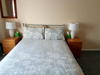 Spacious Private Double Bedroom Nottingham City - Bedroom 2.1