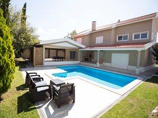 Ada Villa, Sintra