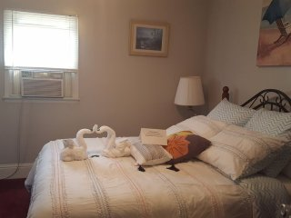 Luxury 2 bdrm apartment, steps from the beach, pet friendly