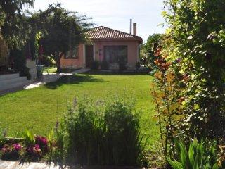 El Jardín de Manuela  Apartamento turístico en Santibañez del Val / Covarrubias
