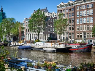 Luxurious 3br 110m2 houseboat in Amsterdam Centre!