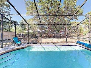 Newly Renovated 4BR with Private Pool & Patio, Near Siesta Key Beach