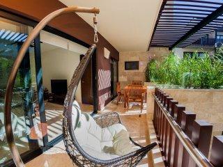 Prestige 2BR condo with super location in a brand new building by happy address