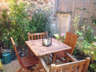 Beautiful Apartment PARIS SURENES with Garden