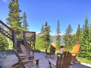 Take In the Spectacular Breckenridge Views from the Hot Tub or the Lovely Patio