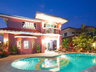 Pattaya Holiday Villa 1581