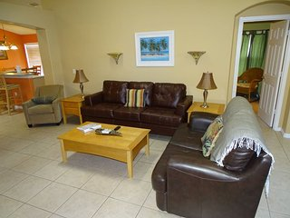 709EMD. 4 Bedroom Pool Home With Golf View