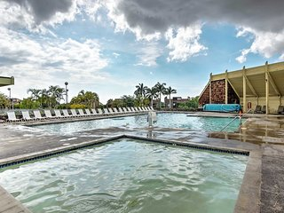 NEW! Waikoloa Studio w/ Garden & Community Pool!