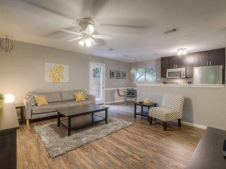 2 Bedroom Modern - Rent 1 or 2 Sides