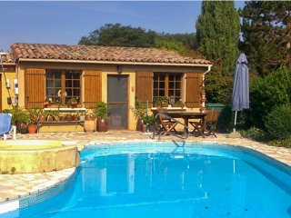Classic house in Aquitaine w/pool
