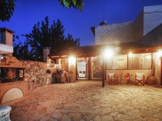 Rustic villa w/terrace & garden