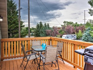 NEW! 2BR Livingston Apartment w/ Deck & Mtn Views!