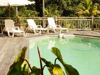 Villa w/ pool, sea view near beach
