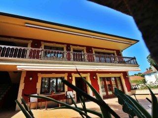 Ref. 10477 Casa de lujo en Santa Cruz - Oleiros con amplia terraza
