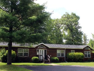 Cozy Creek at Spring Brook Resort | Great 3 Bedroom | Large Deck & Close to Pool