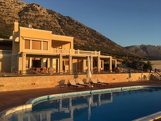 Tholos Boutique Houses