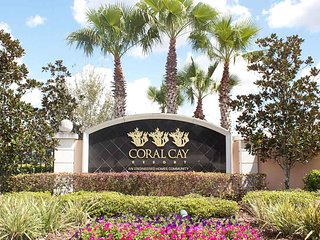 CORAL CAY (2322CC) - 4BR 3BA Townhome with private Patio in gated Resort