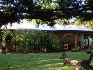 Finca Las Violetas, ideal para familias con pileta de verano