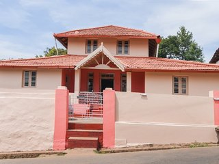 Three rooms for backpacking groups, 2.1 km from Madikeri Fort