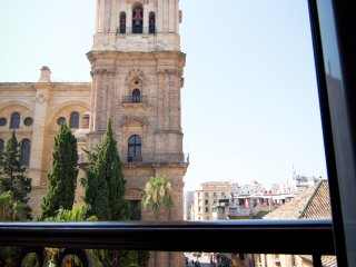 Beautiful 2 bedroom apartment next to the Cathedral of Malaga