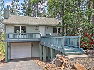 Munds Park Home w/ 3 Decks - Great Wooded Location