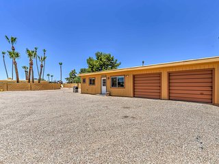NEW! Cozy 2BR Scottsdale Cottage w/ Rooftop Patio!