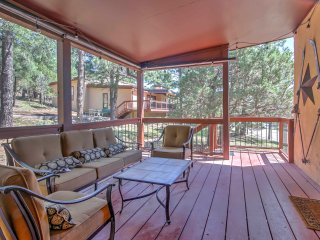 Alto Condo w/ Fireplace, Porch, Pool Table & More!