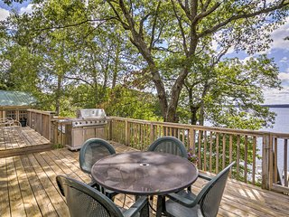 Prime 3BR Waterfront Hayward Cabin w/ Dock & Deck!