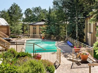 Great Fall Specials! Gorgeous Snowmass Mountain View, Balcony, Pool/Hot Tub, New