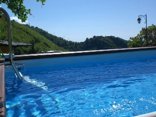 6 bedroom villa (5 ensuite) with private pool for up to 14 people near Sorrento