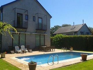 359 Amazing villa with pool close to Santiago