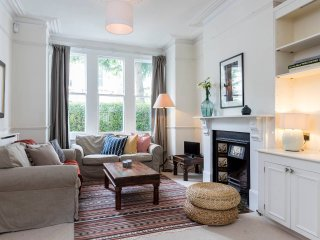 Elegant 4 bed Victorian family home in Clapham