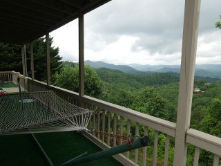 Embracing View: 360 Panoramic Mountain-top Views, STUNNING Sunrise & Sunset!!!