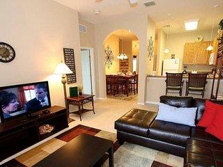 615RR-32. 3 Bedroom 2 Bathroom 3rd Floor Condo with Pool View