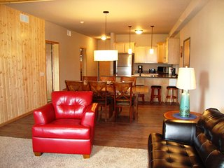 Cedar Stone 2 Bdrm Condo - Spring Brook Resort - Spacious Condo on Golf Course