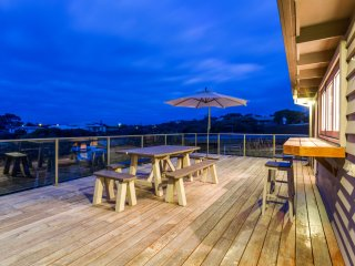 Banksia Back Beach House: Koonya beach