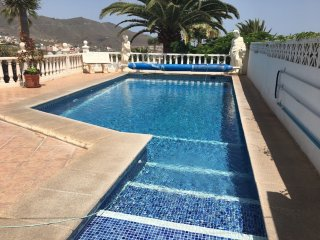 Detached villa, Private pool. 10 minutes drive to Los Cristianos, Tenerife