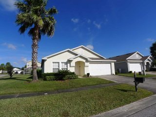 Hampton Lakes 4/3 Pool Home property, fully furnished, with full kitchen, and