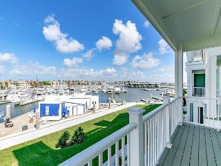All-New 3BR w/ Rooftop Deck, Elevator, Panoramic Water Views & Pool