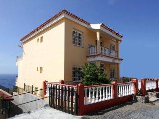 Apartamentos Casa Junonia, con Terraza, Bajo A