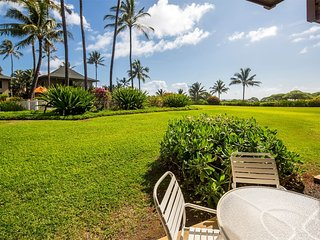 Easy Kauai Living! Lanai to Lawn, Full Kitchen, WiFi, Ceiling Fans–Kaha Lani 102