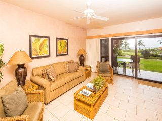 Lanai to Lawn! Chic Kitchen+Bath, Ceiling Fans, WiFi, Tile Floors–Kaha Lani 110