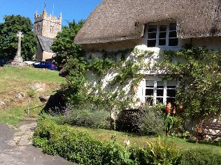 Little Holme.Thatched Cottage on the Village Green in Lustleigh, Dartmoor, Devon
